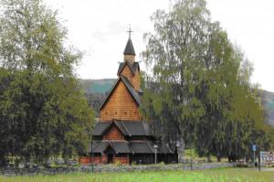N-Stabkirche_in_Heddal_Dr_Feucht